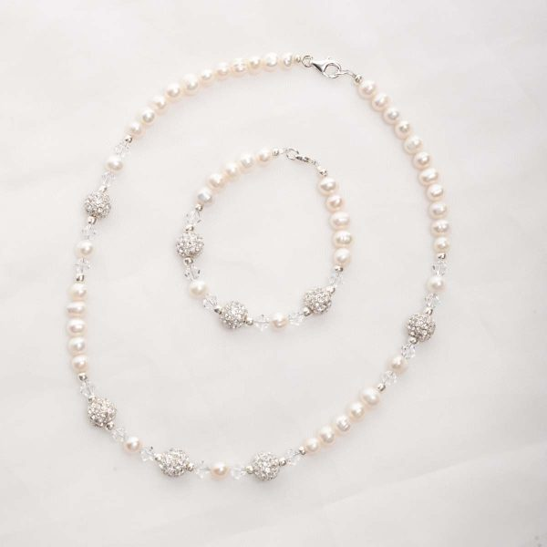Meryl – Freshwater Pearl and Swarovski Crystal Necklace and Bracelet 1