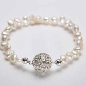 Ula - Freshwater Pearl Bracelet with Rhinestone clasp
