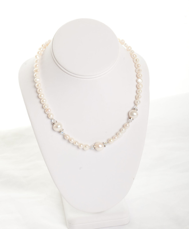 Freshwater Pearl Necklace with swarovski ccrystal