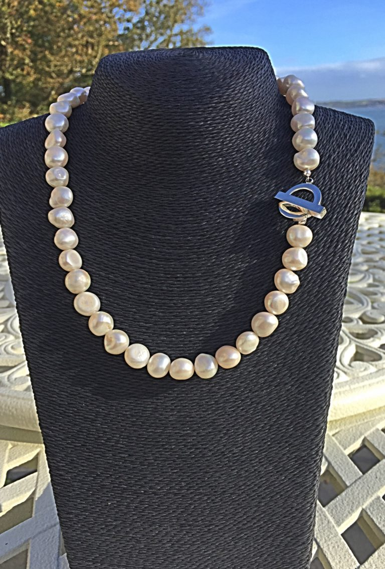 Lady Jane - Large Freshwater Pearl Necklace with a Contemporary Clasp 14