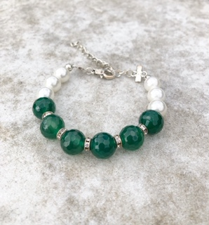Caltic - Swarovski pearls and Green Faceted Agate