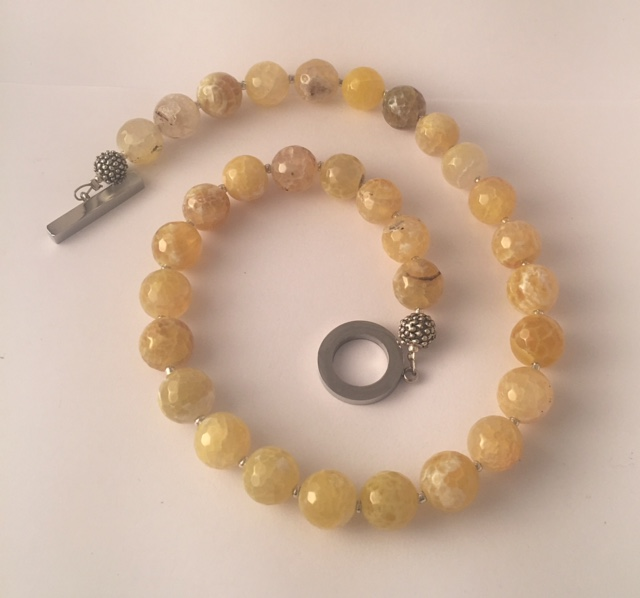 Great Amanda - Yellow Agate Necklace