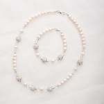 Meryl – Freshwater Pearl and Swarovski Crystal Necklace and Bracelet 2