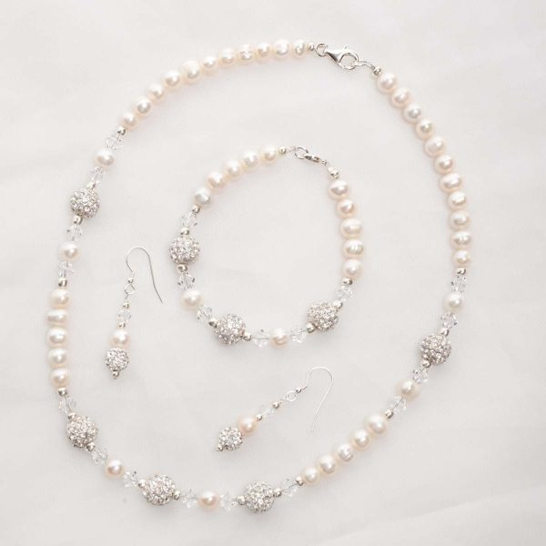 Meryl – Freshwater Pearl and Swarovski Crystal Necklace, Bracelet & Earrings 3