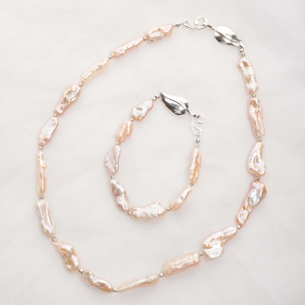 Lavinia – Baroque (Salmon/Pink) Cultured Freshwater Pearl Necklace & Bracelet Set 18