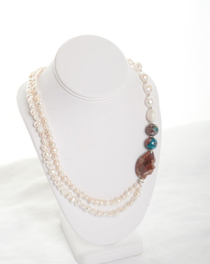Orange Agate & Freshwater pearl & silver necklace 'AELWYD'