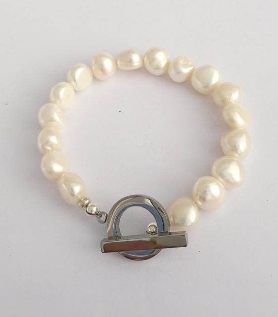 A Lady Jane -Large Freshwater Pearl Bracelet 12